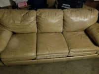 Leather couch with pull out. Bristow, 20136