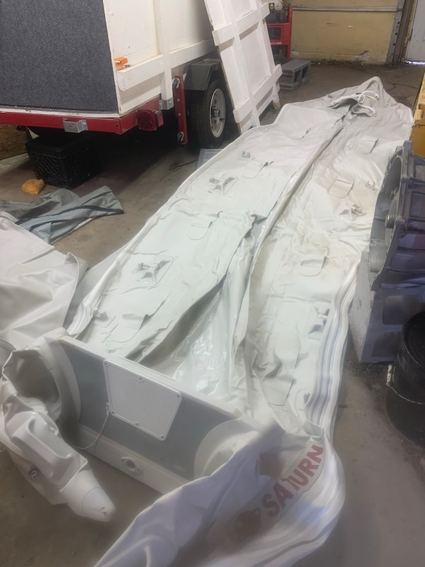 gray and white Intex inflatable boat 8250f5b4-2336-4463-9c35-6be5636c4b15