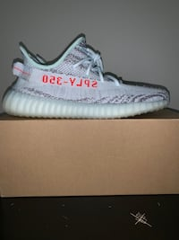 Yeezy boost 350 v2 blue tint Vancouver, 98665