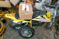 New other razor mx650, runs perfect, extra rear wheel, and extra nib B