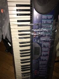 2 piano keyboards  Chicago, 60645