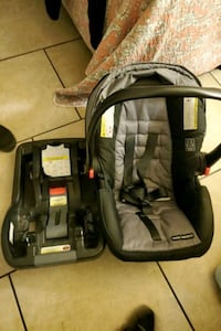 Graco baby seat with base