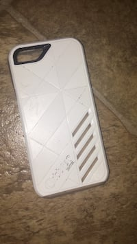 OTTER BOX IPOD OR SMALL IPHONE CASE GOOD CONDITION HARD CASE 15$ London, N5W