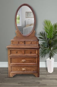 Vintage Dresser,Re-move able Mirror with glove,scarf, draws Bolivia, 28422