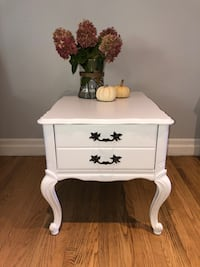 Refinished side table (Queen Anne style) Markham, L3P 5C3