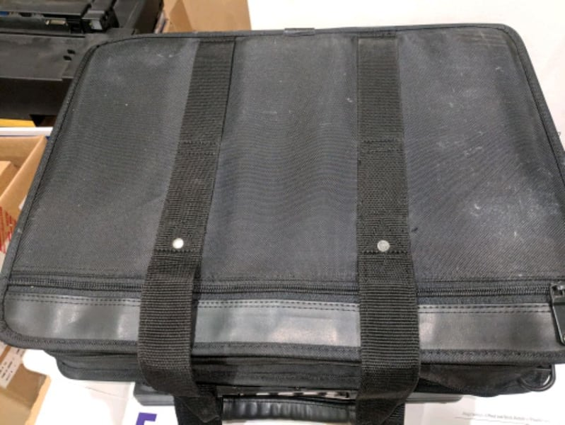 25+ messenger/laptop bags for sale bfbf1b30-ce01-41ed-9be8-4ab994a046d5