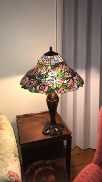 Black and red floral table lamp Islip, 11742