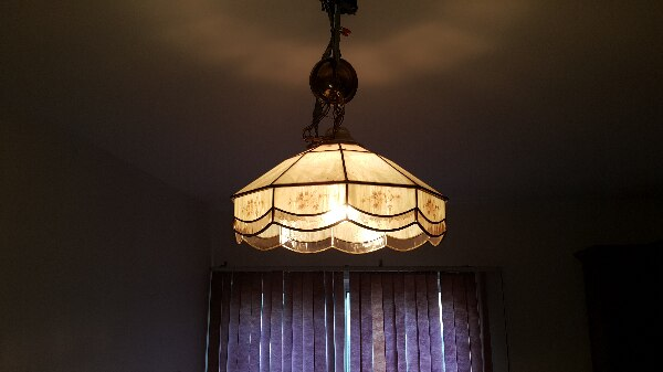 Antique chandeliers, Tiffany lamp 90fc7a0e-cee6-465d-a532-d7f6902ae41c