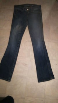 Guess jeans size 26 Kelowna, V1Y