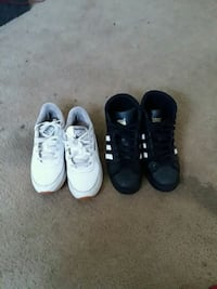 two pairs of black and white low-top sneakers Augusta, 30909