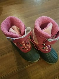 Snow Boots size 2 girls New Windsor, 12553