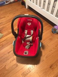 UPPAbaby car seat with two car mounts 39 km