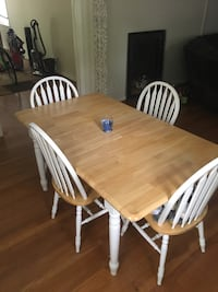 Adjustable dinning table with 4 chairs