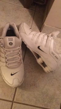 pair of white Nike basketball shoes Burnaby, V5A
