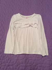White scoop-neck long-sleeve shirt