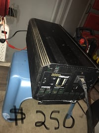 Power inverter priced to sell   Used once St Albert, T8N 7A5