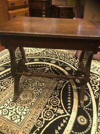 Antique beautiful table in great condition  Brampton, L7A