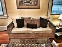 Rattan couch Metairie, 70005