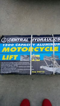 1500 pound Motorcycle lift Oceanside, 92054