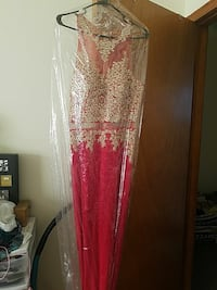 brown and red lace illusion neckline sleeveless ma New Haven, 06513
