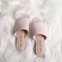 Nude pink sandals  Toronto, M1T 2A1