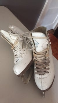 pair of white-and-beige leather ice skates White Plains, 10606