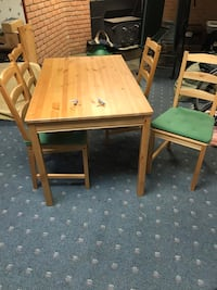 Ikea dining room table and chairs w cushion Frederick, 21702