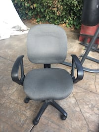 black and gray rolling armchair Los Angeles, 91403