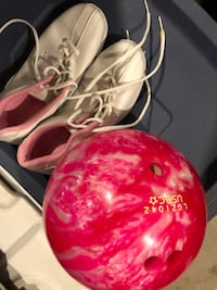 Bowling ball and shoes (size 7) Milton