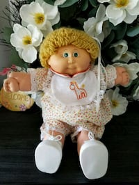 baby doll in white and yellow dress Toms River, 08753