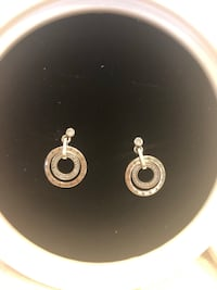 Pandora earrings and jewelry box Vaughan, L4K 1R9