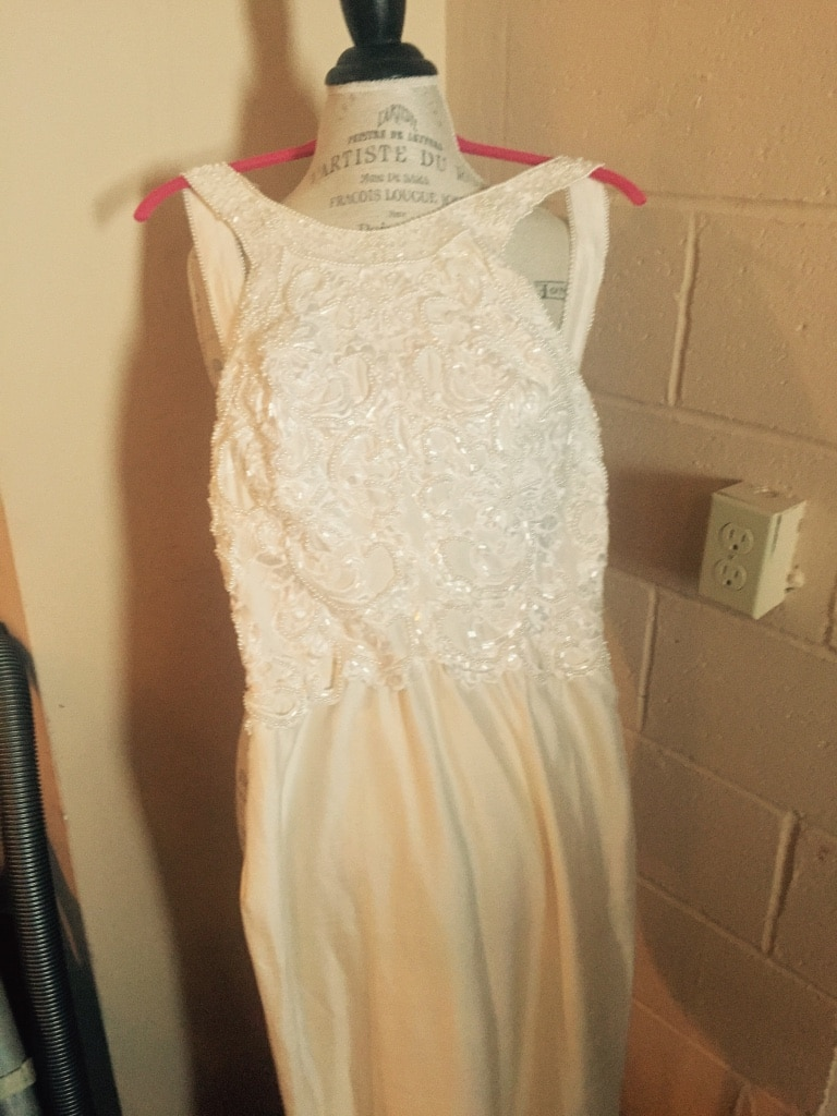 Wedding Dresses Yonkers Ny : Letgo demetria wedding dress criss cross in yonkers ny