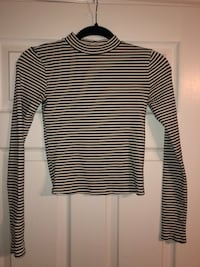 Forever 21 - size M  Ajax, L1T 3X5