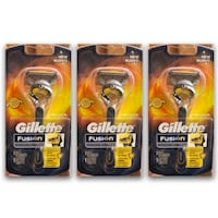 Gillette proshield razor (3) Savage, 20763