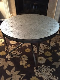 Price reduced! Coffee table Reston, 20194