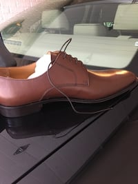 unpaired red leather dress shoe Alexandria, 22304