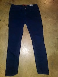 Guess jeans ladies size 31 Guelph
