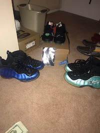 Foams size 9 and off white vapor max size 10  Columbus, 43232