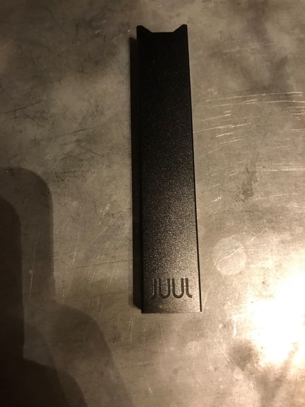 black JUUL case