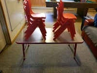 daycare table & chairs Gatineau