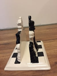 Chess player napkin holder