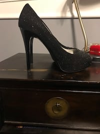 Guess women black shoes black with silver sparkles for holiday parties  Baltimore, 21229