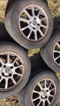 Volvo Alloy Rims on all season Michelin tires PLUS EXTRA SET OF TIRES 195/60R15 Toronto, M3M 3H8