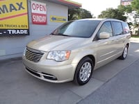 2013 Chrysler Town and Country Gold Pinellas Park, 33781