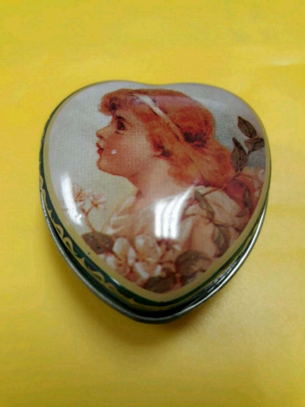 Lovliest Heart-Shaped Pill Box or Jewelry Box