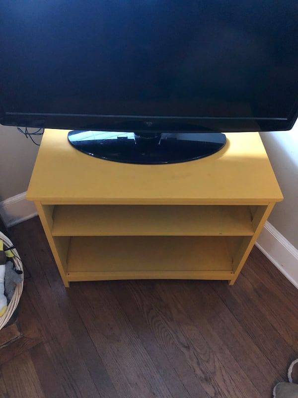 Yellow TV stand /small shelf 32c9aeca-5f50-4d86-9fd5-c65edb91ca6b