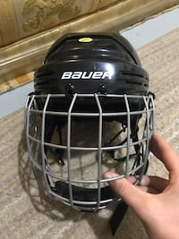Bauer Hockey Helmet in Perfect Condition Mississauga, L5J 4M5