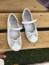 pair of white leather loafers 2288 mi
