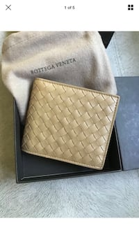 NWT Bottega Veneta Men Bifold Wallet Rockville, 20852