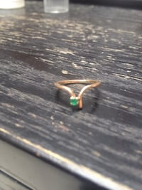10K Gold ring with small emerald stamped Surrey